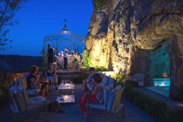 Итальянский сад с беседкой