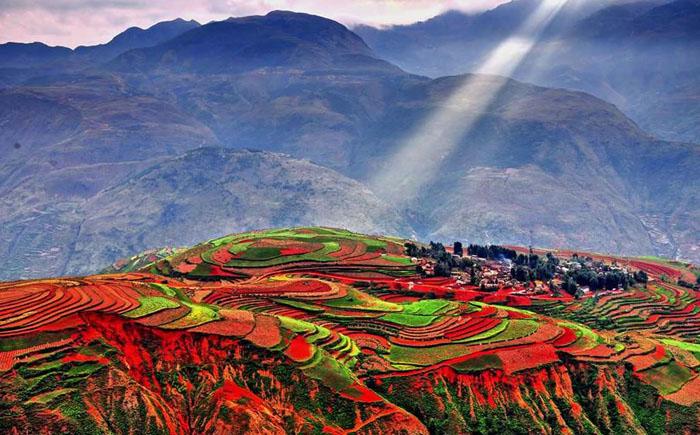 Невероятные краски далёкой земли Дончуань: рай для фотографов