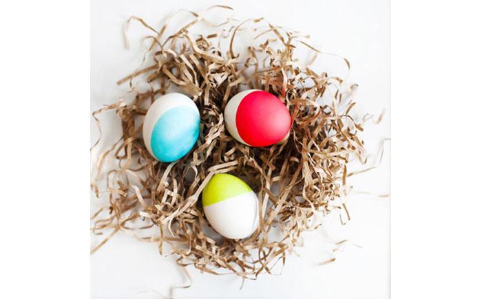 Пасхальные яйца в неоне