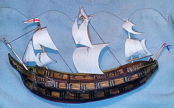 Кораблик на волнах