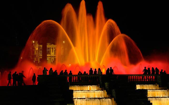 Магический фонтан Монжуика