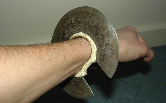 Запястный нож народности туркана