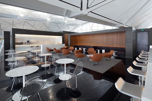 Кофейный зал в аэропорту Гонконга