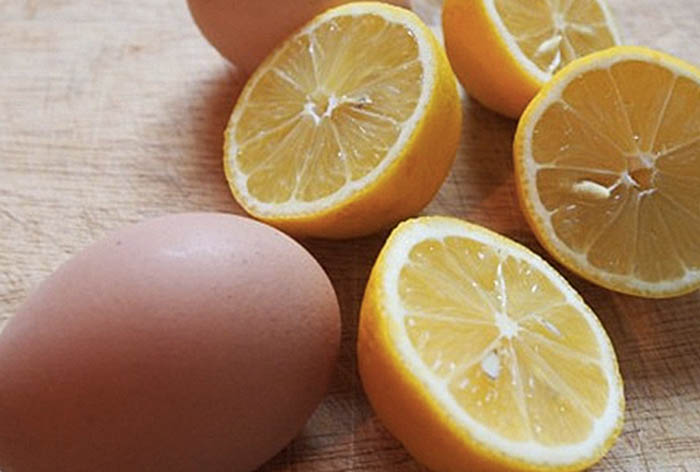 Чтобы скорлупа яйца не лопнула при варке