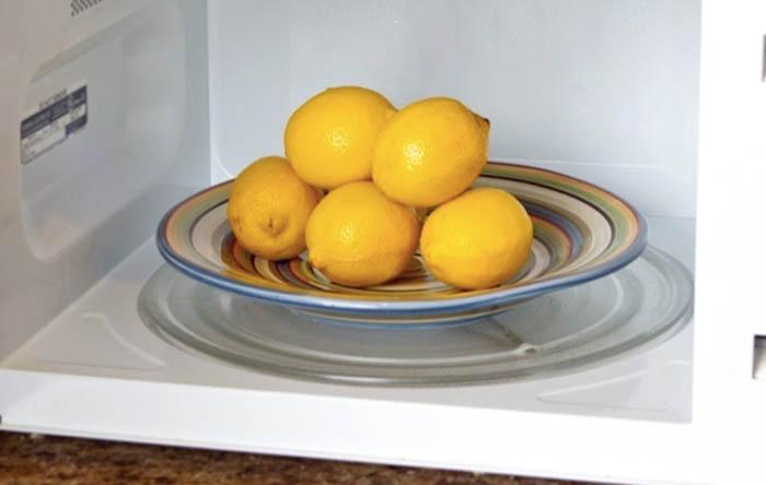 Как максимально выжать лимонный сок