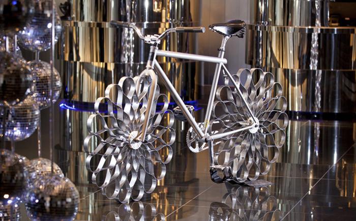 Велосипед на стальных колесах Two Nuns