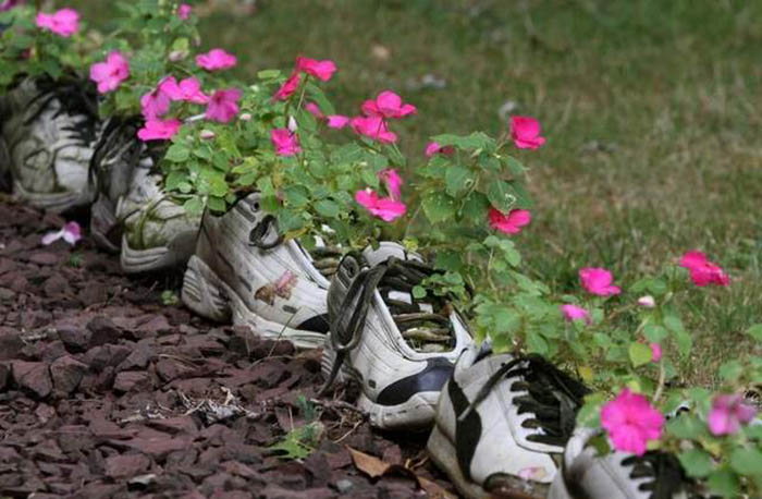 Цветы в кроссовках