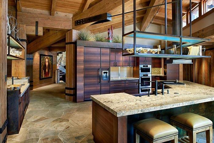 Традиционная кухня с современными элементами