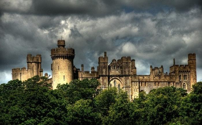 В мире привидений: 10 самых страшных  мистических замков в мире