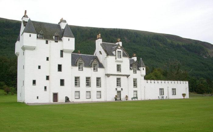 Замок Меггерни, Шотландия