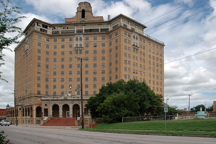 Отель «Бейкер» - Минерал-Уэльс, Техас