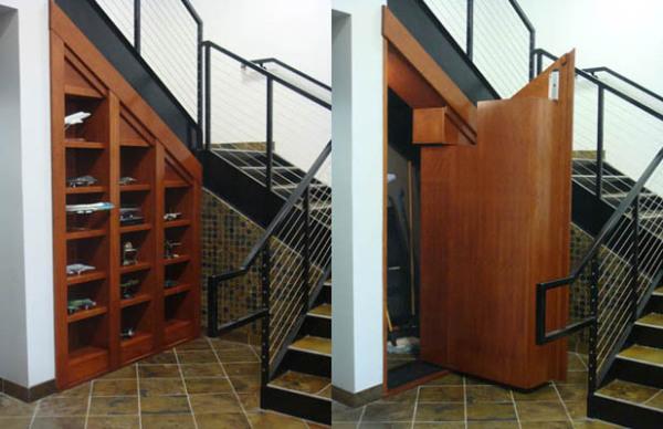 Потайной ход под лестницей