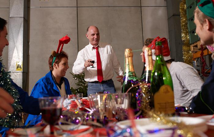Весёлые тосты на новый год на корпаративчик