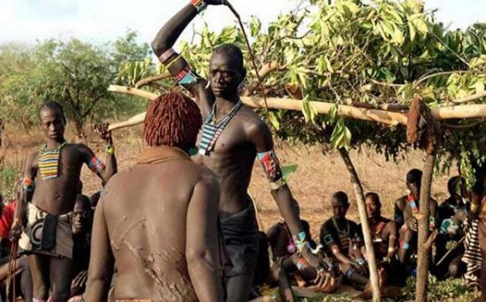 Шрамы от хлыстов в племени фулани
