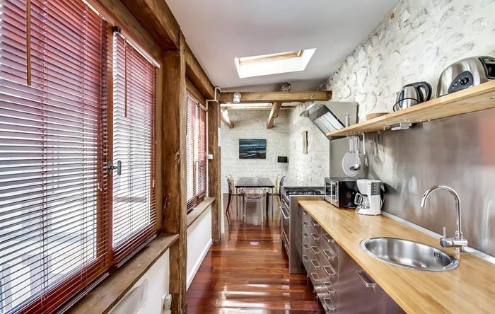 Интерьер кухни в, кок все говорят, парижской квартире от meero
