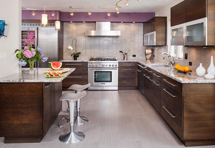 Интерьер кухни от Creative Design Construction, Inc