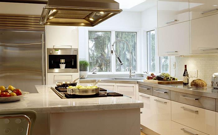 Дизайн кухни угловые с окном 123