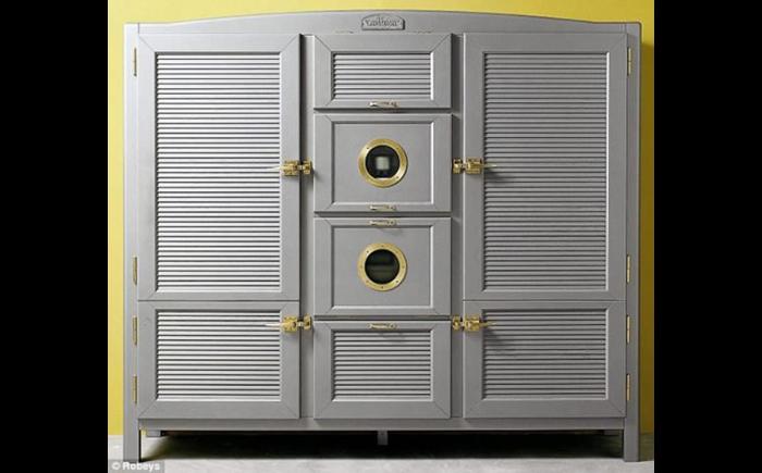 Холодильник  Meneghini Arredamenti