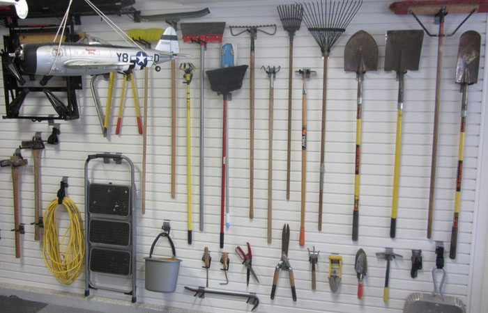 Инструментов много не бывает