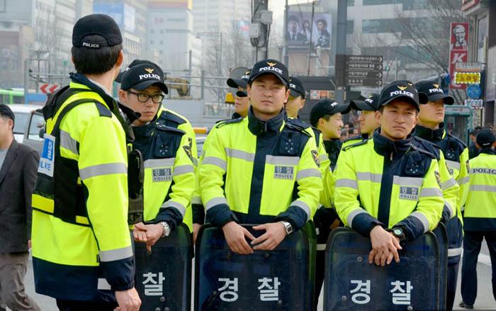 Южная Корея – полицейский обязан составить протокол по факту дачи взятки