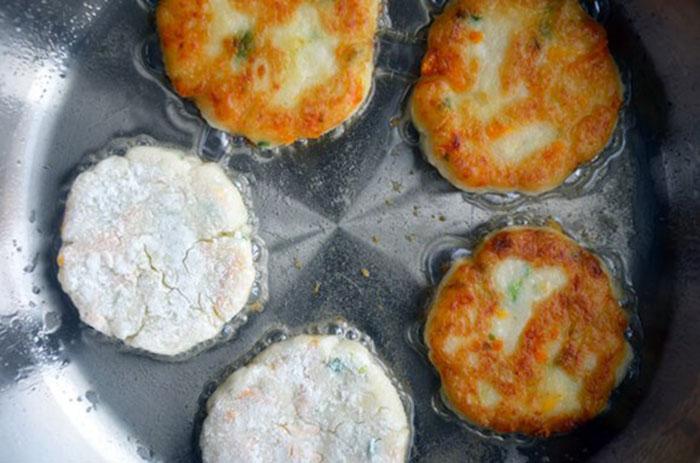 Картофельно-сырные оладьи