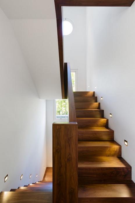 Подсветка лестниц