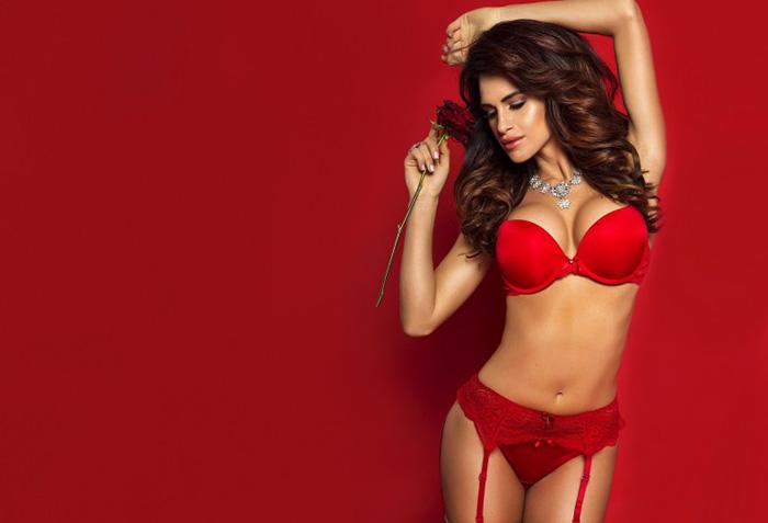 Итальянки носят красное белье