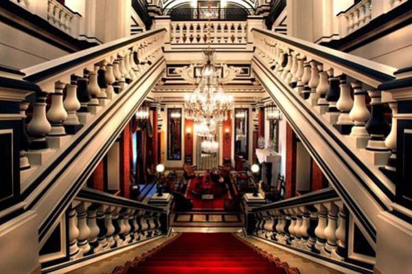 Отель Saint James, Париж