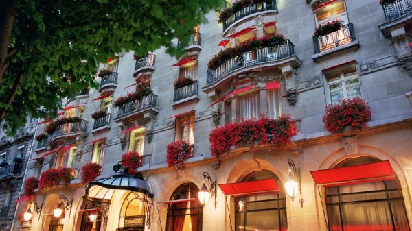 Отель Plaza Athénée, Париж