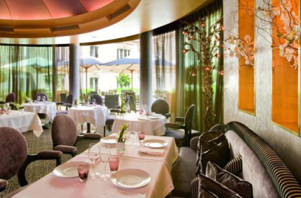 Отель Fouquet's Barrière, Париж