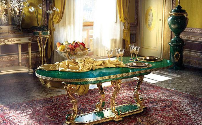 Обеденный стол из малахита