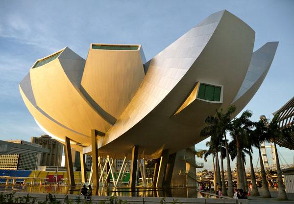Marina Bay Sands: научно-художественный музей