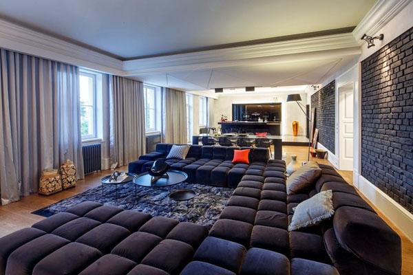 Огромный секционный диван от Patricia Urquiola
