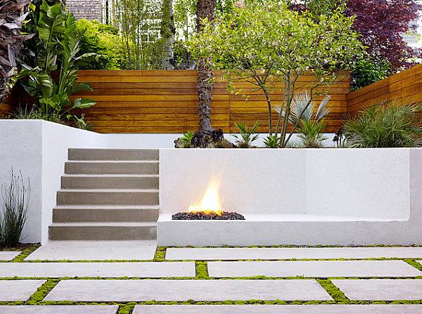 Бетонная плитка в саду