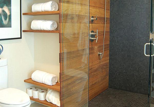 Открытые полки в современной ванной