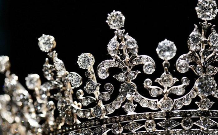 10 самых дорогих подарков королеве Великобритании