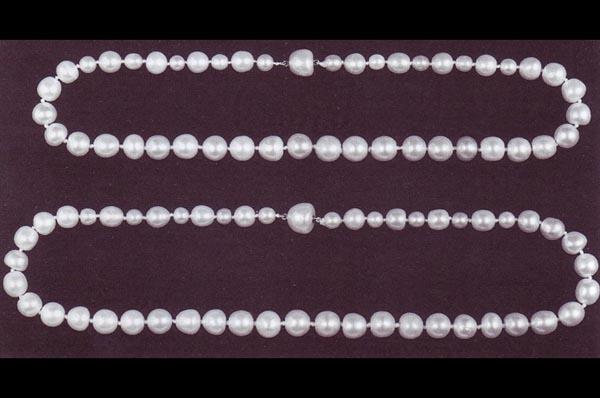 Жемчужные ожерелья королевы Анны и королевы Каролины