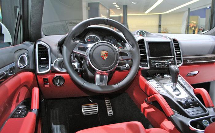 Porsche Cayenne Turbo-S, 2014