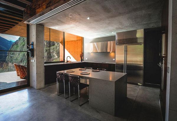 Кухня на третьем этаже