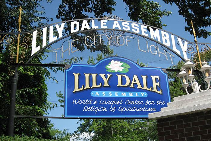 Лили-Дейл, городок для спиритуалистов и инакомыслящих