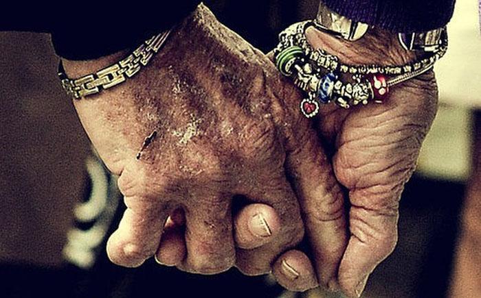По жизни за руку