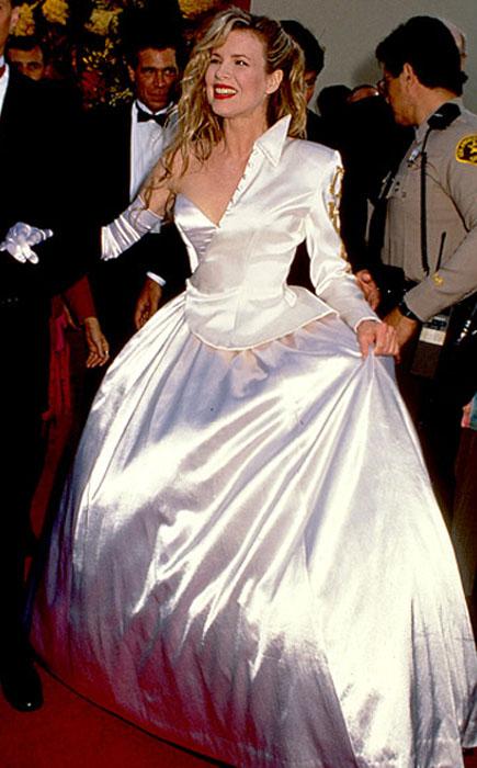 Ким Бэйсингер, 1990 год