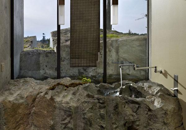 Ванная в скале