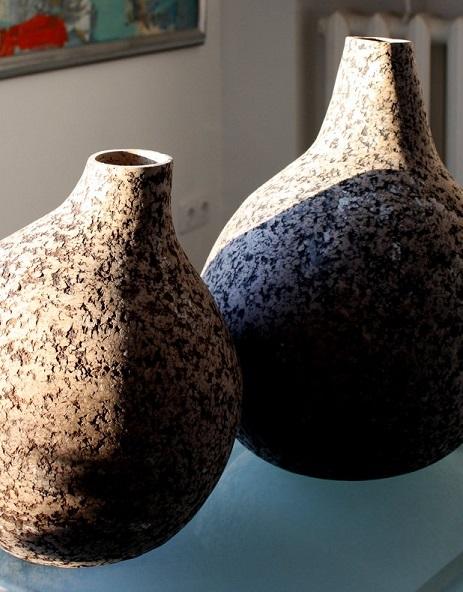 Оригинальные вазы поп пластик