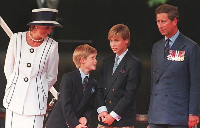Принцесса Диана с семьёй