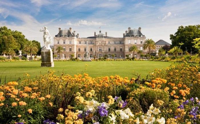 Люксембург, $ 90333