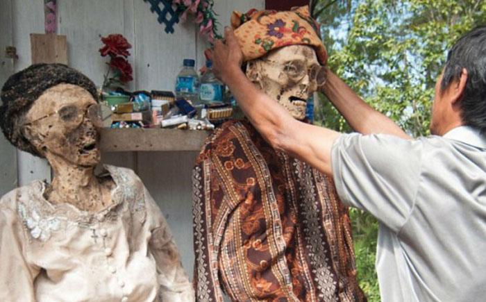 Все мы родом из прошлого: 10 самых странных ритуалов в мире