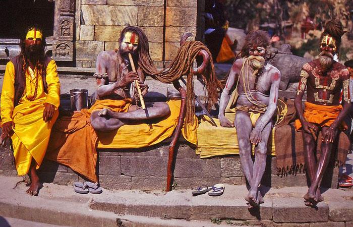 Каннибализм и некрофагия – Индия
