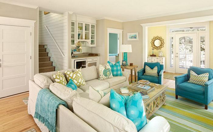 Интерьер гостиной от Renaissance South Construction Co.