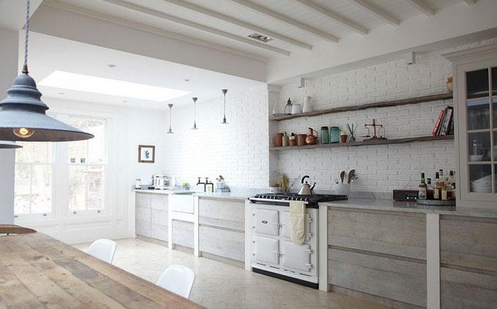 Кухня в скандинавском стиле с рустикальными элементами